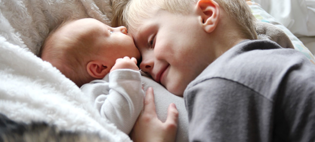 How to Reduce Jealousy Between Siblings  Jealousy Between Siblings